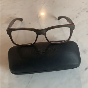Lightweight wooden glasses. Great Condition!